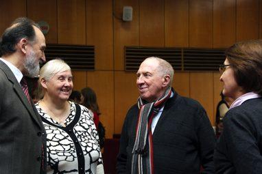Народный артист России, член попечительского совета СФИ Сергей Юрский на Актовой дне СФИ, 2012 год
