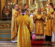 Литургию в Успенском соборе Новодевичьего монастыря возглавляет архиепископ Можайский Григорий
