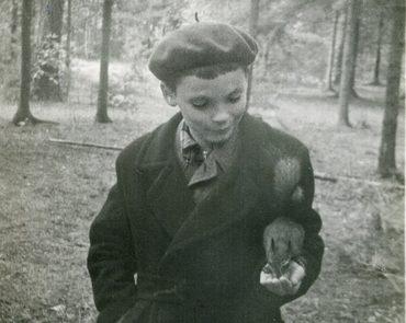 Георгий Кочетков в парке. Начало 1960-х гг.