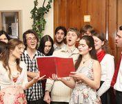 Пасхальный праздник, организованный молодёжью Преображенского братства для своих друзей. Культурно просветительский центр «Преображение». 2012 г.