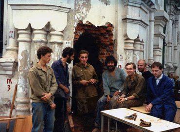 Восстановление входа в часовню храма Успения в Печатниках. Август 1993 г.