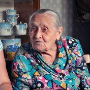 Екатерина Ивановна Пикина с паломниками Покровского малого братства, 2012 год.