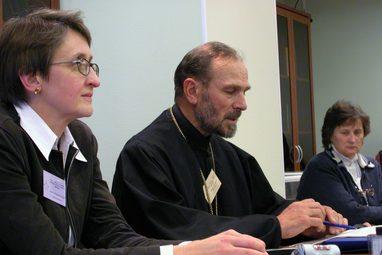 Преподаватель СПбДА архимандрит Августин (Никитин). Конференция СФИ «Вера-диалог-общение: проблемы диалога в церкви», 2003 год