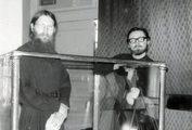 Уборка в алтаре храма ЛДА. Иеродьякон Серафим (Сёмкин) и дьякон Георгий Кочетков. 1983 г.