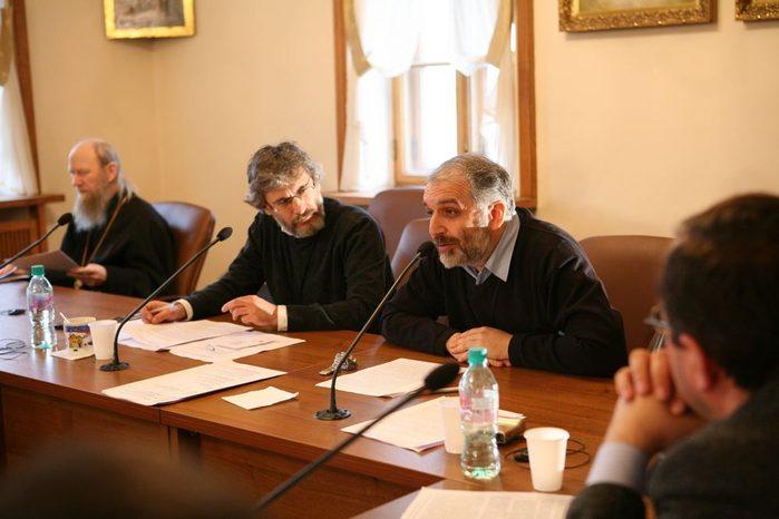 Давид Гзгзян, заведующий кафедрой богословских дисциплин и литургики СФИ, на VI международной богословской конференции Русской православной церкви, 2010 год
